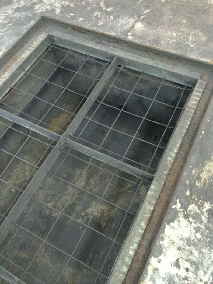 12 – Floor Pit